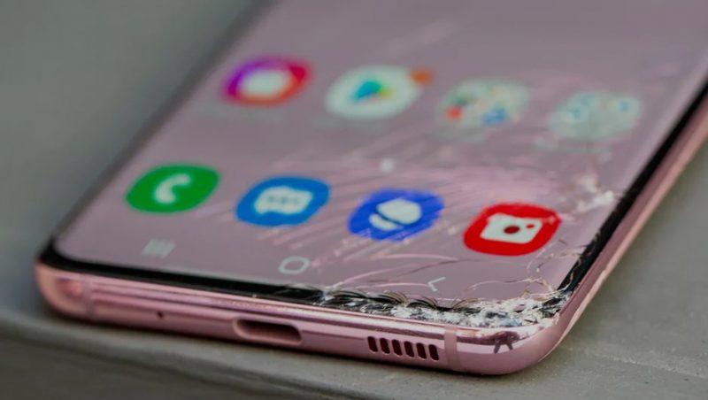 شکستگی ال سی دی موبایل